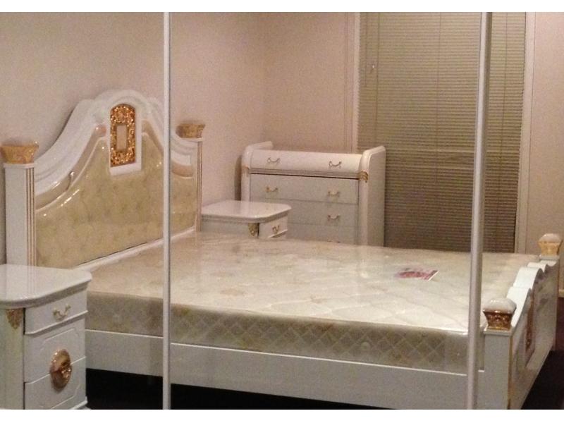 City 黃金地段,全新高端家具,一室一厅