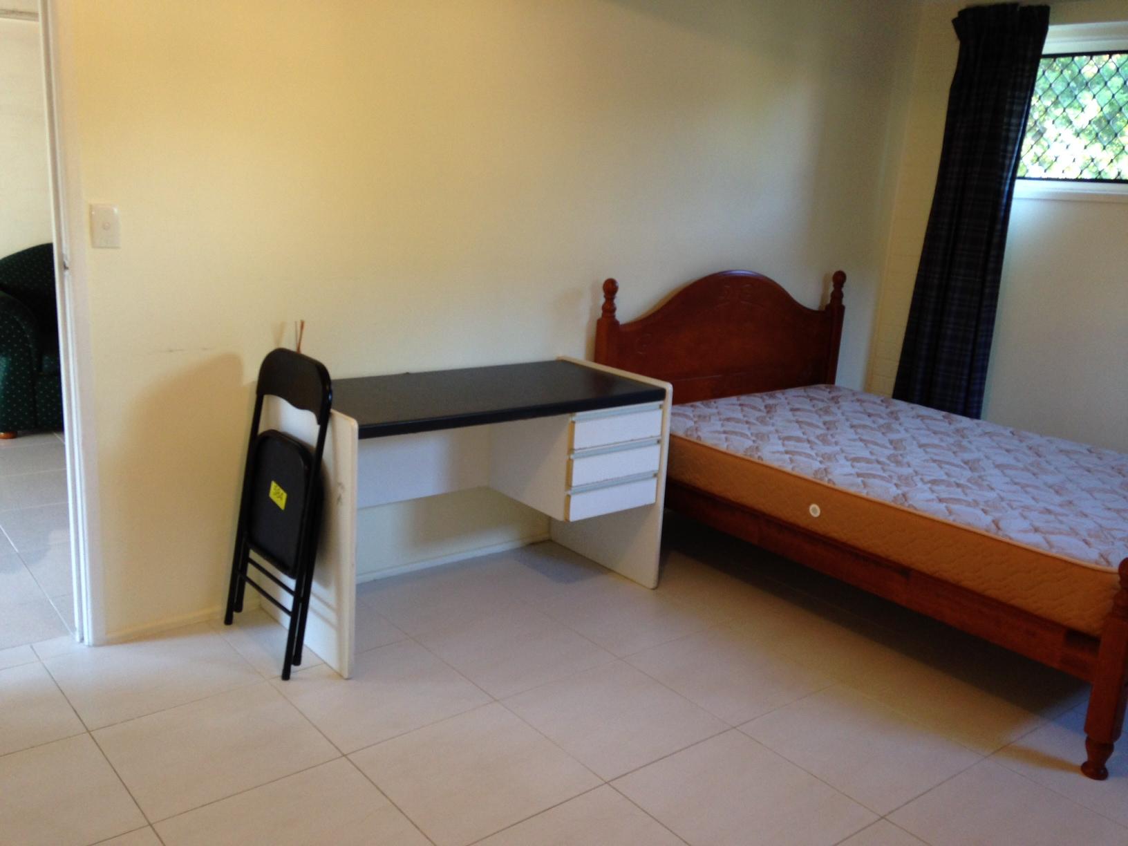 Brisbane Algester 獨立套房(兩房一廳)出租   $285/week.