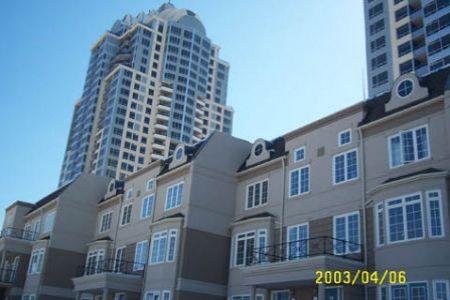 Bayview/Sheppard 高尚公寓式镇屋出租(4卧房) / Cdn$2400*月租